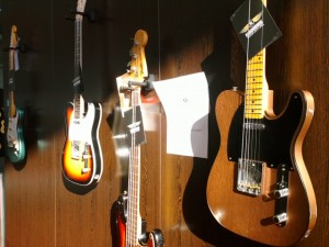 E-Bass und E-Gitarre
